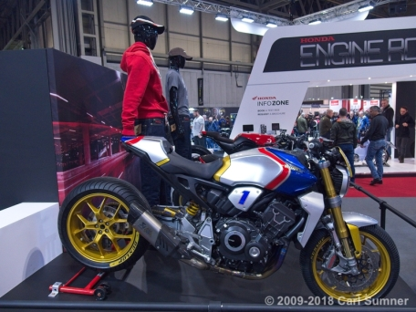 Motorcycle_Show_2018_1090676